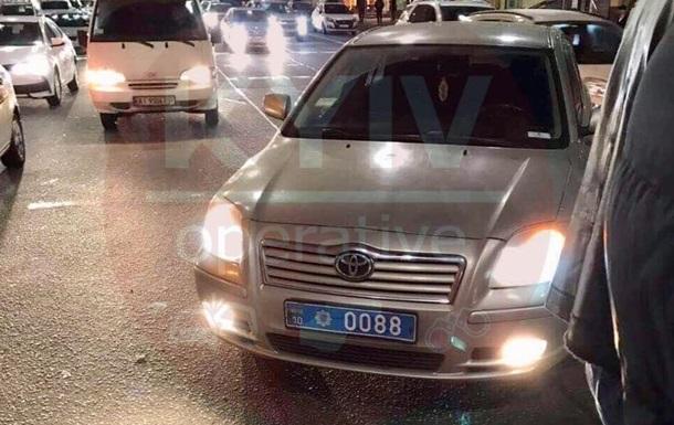 В Киеве авто на полицейских номерах сбило пешехода
