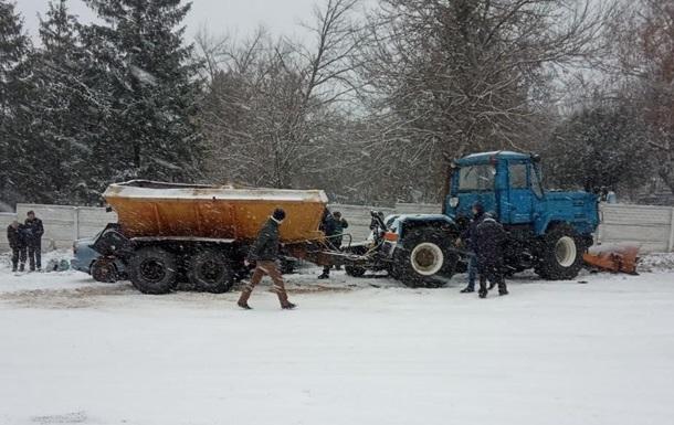 В Ізюмі трактор протаранив сім автомобілів
