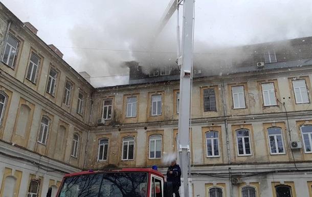 У Львові локалізували пожежу в лікарні