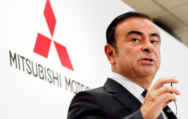 Рада директорів Nissan звільнила Гона