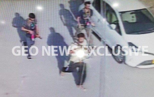 Пять человек погибли при нападении на консульство Китая в Пакистане