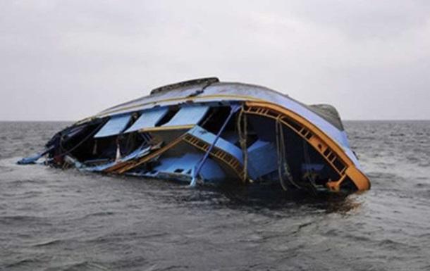 На озере Виктория затонула яхта с десятками людей