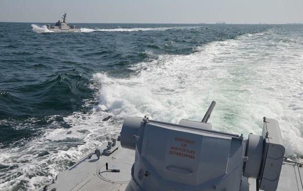 Аваков опублікував відео тарана українського судна в Азовському морі