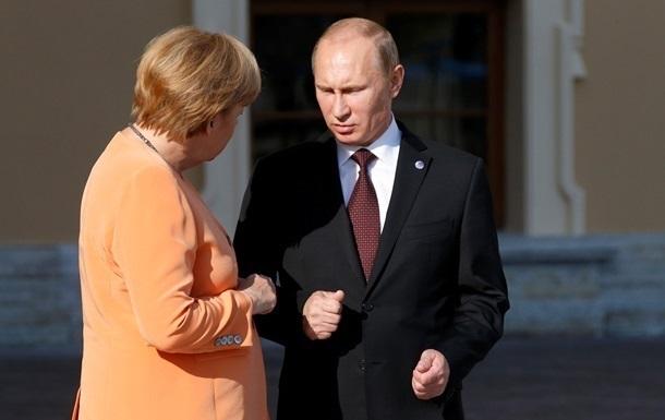 Путин попросил Меркель  повлиять  на Украину
