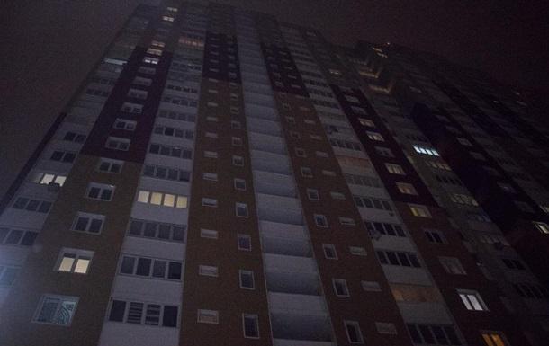 У Києві чоловік викинувся з 19 поверху