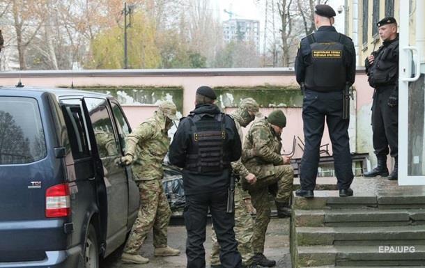 У Криму заарештували половину затриманих моряків