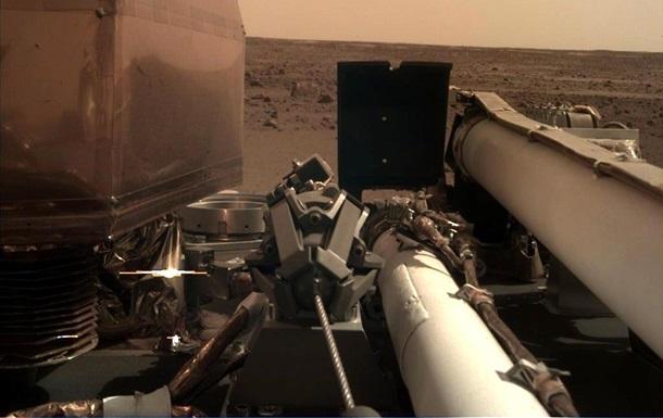Апарат InSight надіслав селфі з Марса