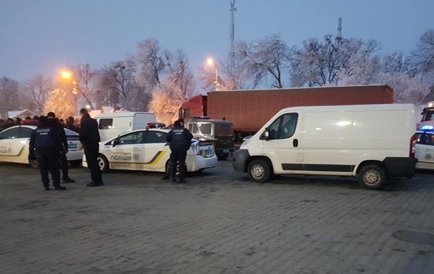 Протести  євробляхерів : заблоковані під їзди до двох пунктів пропуску
