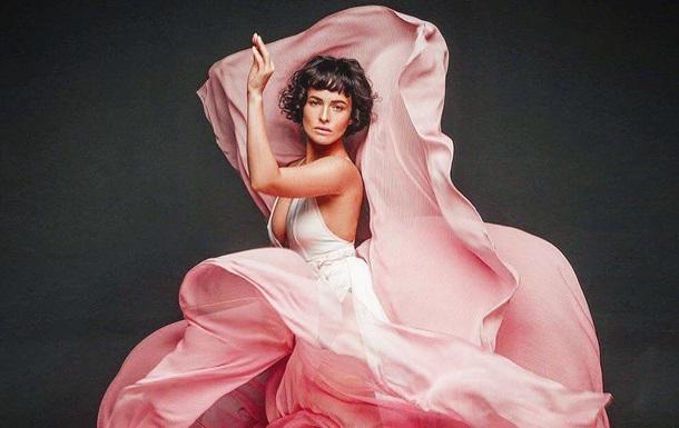 Астафьева снялась топлес для рекламы