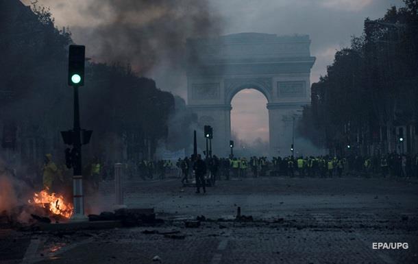Гостиницы в Париже понесли миллионные убытки из-за протестов