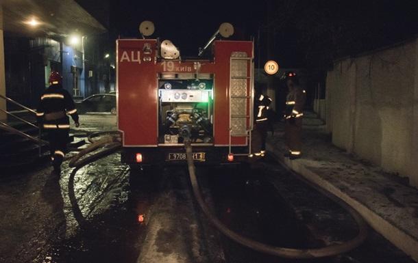 В Киеве ночью горел завод картонной упаковки