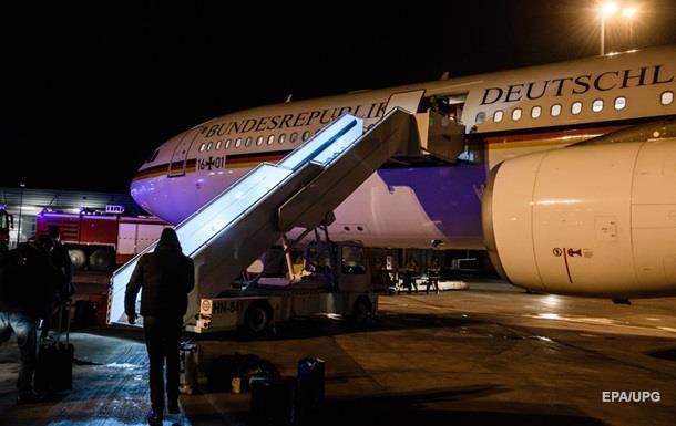 Меркель вилетіла на G20 як звичайний пасажир