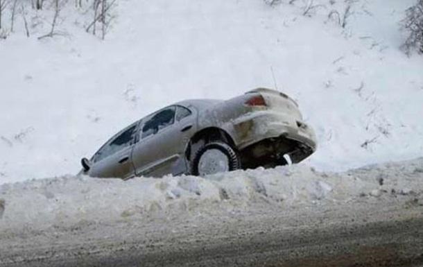 На Київщині через снігопад збільшилася кількість ДТП