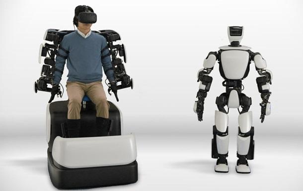 Toyota показала людиноподібного робота на дистанційному управлінні