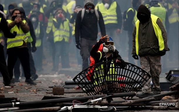 Протесты встолице франции : вовремя столкновений погибли люди