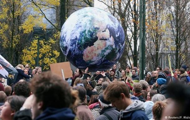 Десятки тисяч людей у Брюсселі вийшли на марш на захист клімату
