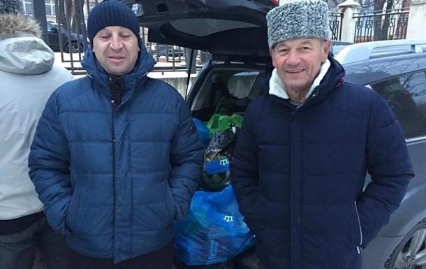 Кримськотатарські активісти привезли в Москву передачі українським морякам
