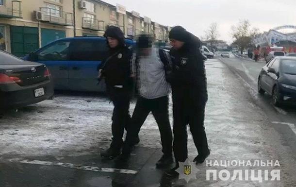 Под Одессой злоумышленник ударил полицейского металлическим ключом