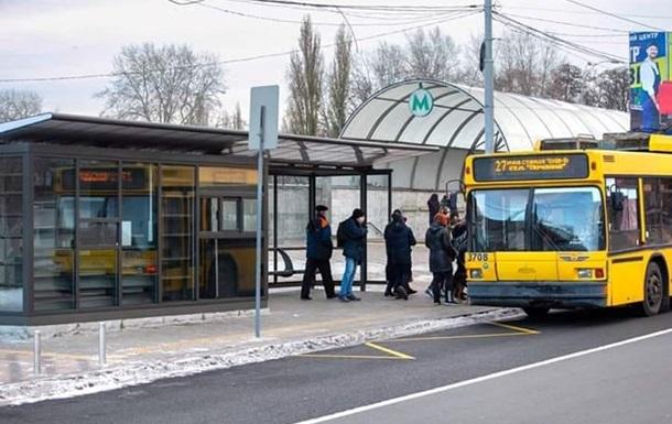 На крупной магистрали Киева перекрыли туннель для частных авто