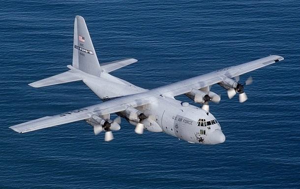 Зіткнення літаків США: врятований один військовий