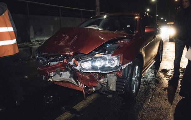В Киеве авто с пьяным водителем врезалось в такси
