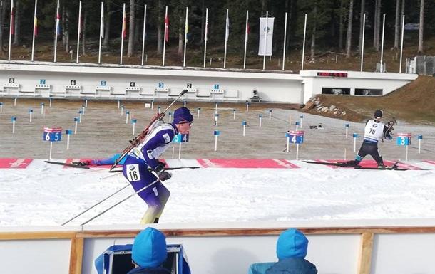 Биатлон: Семенов попал в цветочную церемонию первой личной гонки сезона