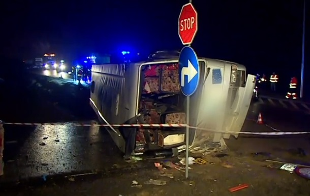 У Польщі перекинувся автобус, є загиблий