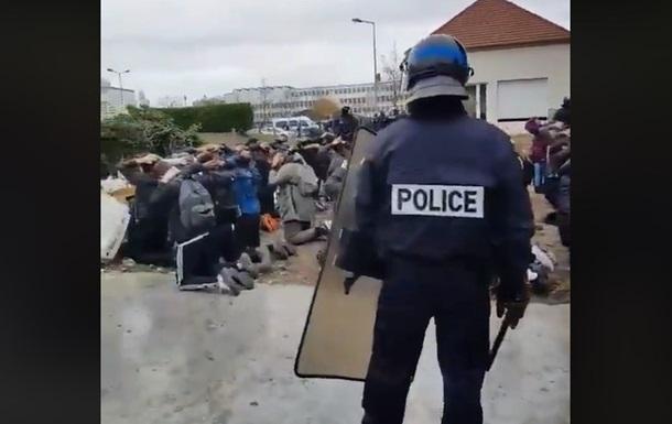 Во Франции прошли школьные протесты, более 700 задержанных