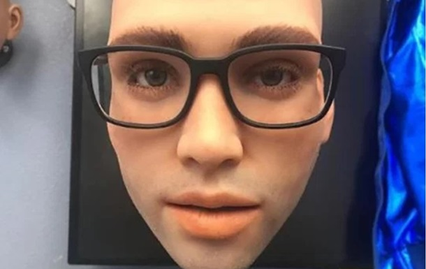 Секс-робота для женщин научили разговаривать и шутить