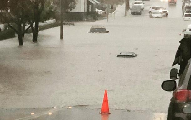 Дожди затопили Калифорнию