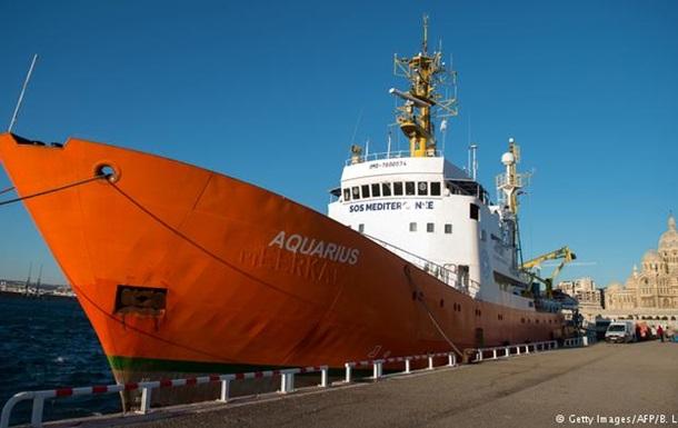 Судно Aquarius припиняє рятувати біженців у Середземному морі