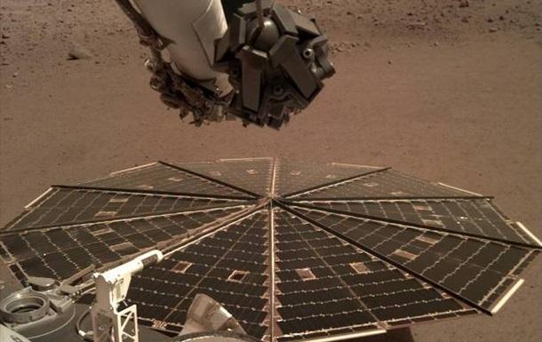 Зонд InSight передал звуки ветра на Марсе