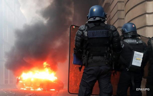 Протести в Парижі: 30 поранених, тисяча затриманих
