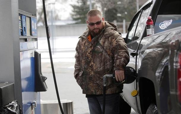 В Україні знизилися ціни на бензин і дизпаливо