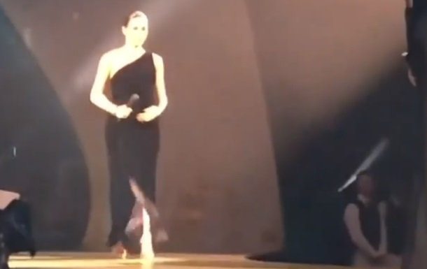 Беременная Меган Маркл посетила Fashion Awards