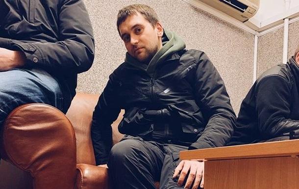 Блогер рассказал, как силовики  выбивали  из него пароли к гаджетам
