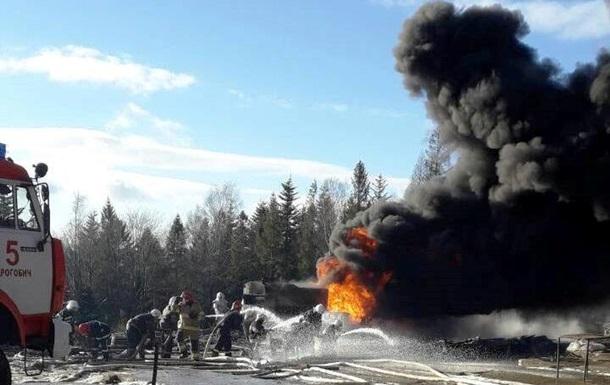 У Львівській області загасили палаючі нафтопродукти