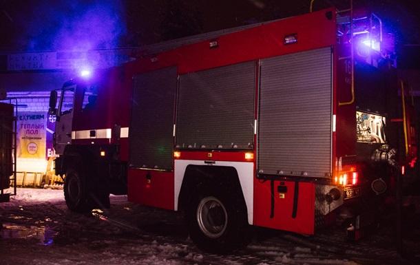 В Киеве горел строительный рынок Юность