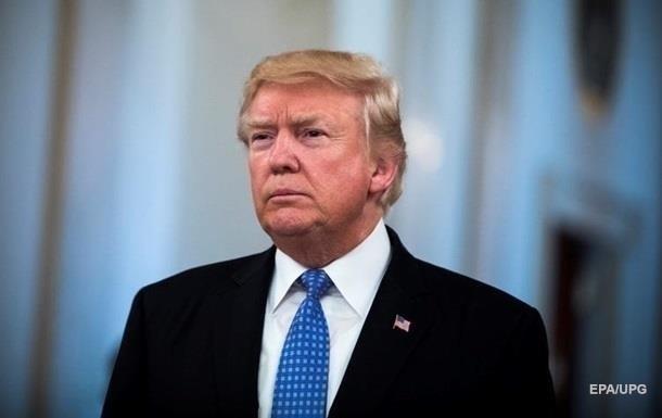Трамп передаривает сыну подарки от других людей