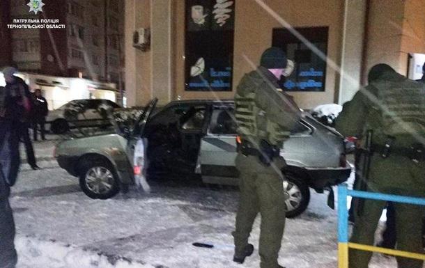 У Тернополі п яний водій потрапив у ДТП, втікаючи від поліції