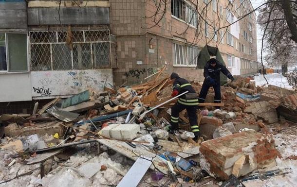 Взрыв в Фастове: под завалами ищут двух человек