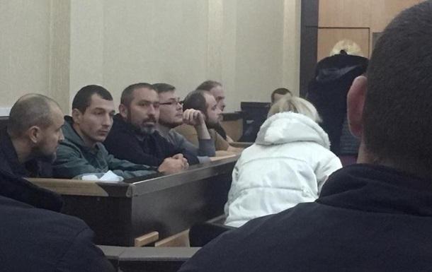 Суд в Тбилиси оставил под арестом шесть украинцев