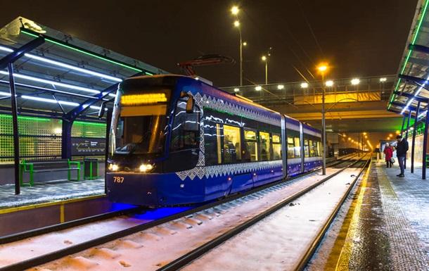 У Києві продовжили ремонт лінії швидкісного трамвая