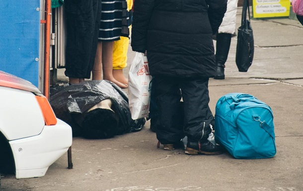 У Києві біля ломбарду помер чоловік