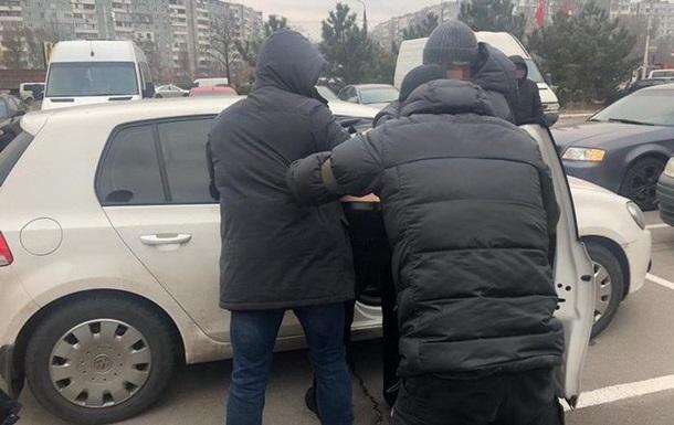 Чиновника Укрзализныци задержали за взяточничество и хищения