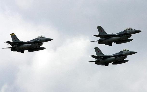 Літаки Туреччини понад 100 разів порушили повітряний простір Греції