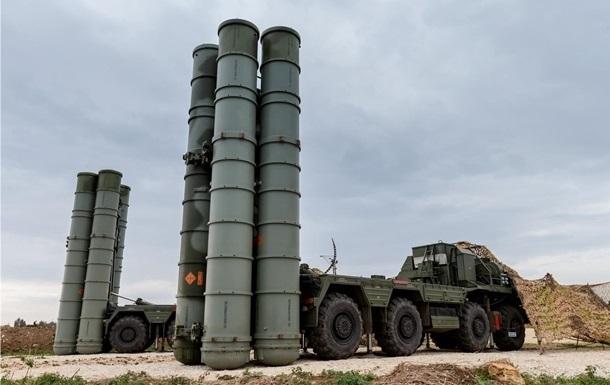 Росія провела в Криму навчання із застосуванням С-400