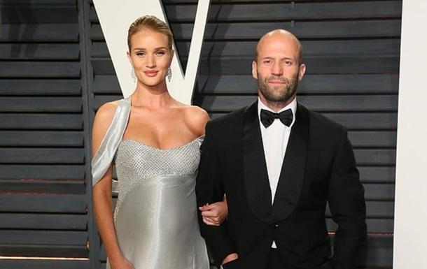 Актор Джейсон Стейтем одружується з  ангелом  Victoria s Secret