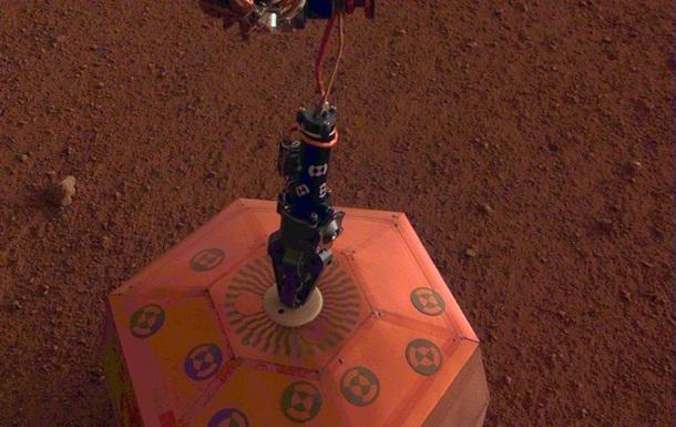 Станція InSight встановила на Марсі перший інструмент