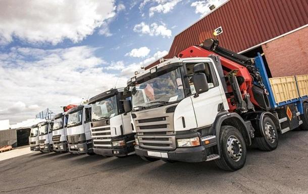 Країни ЄС домовилися про зменшення викидів CO2 вантажівками